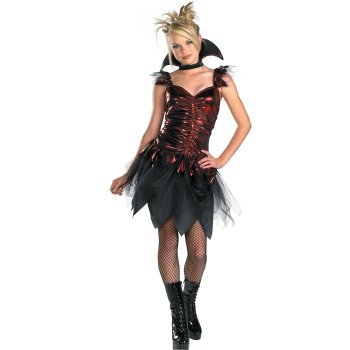Teen Girls Glitzy Vampire costume idea